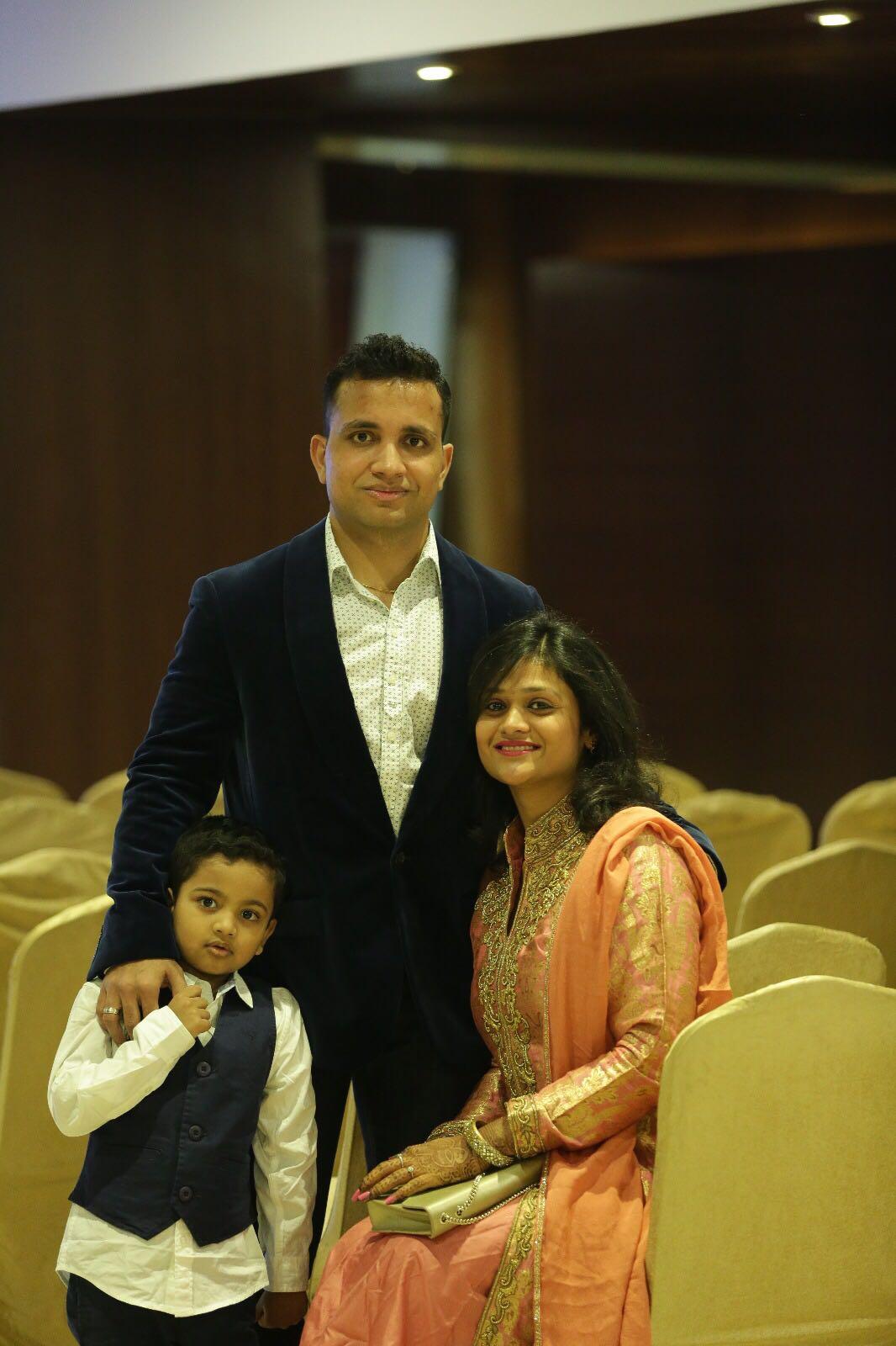 Amar-Aditi-with-family