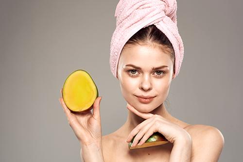 mango nourishes skin