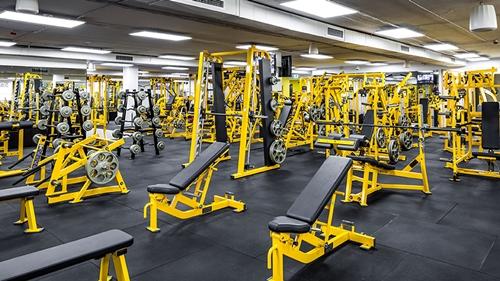 Gold's Gym, Lokhandwala